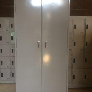 Tủ sắt 2 cánh khóa gạt TYC2C